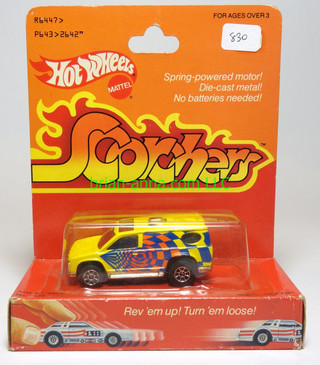 Hot Wheels Scorchers Good Looker in Yellow, in Pkg