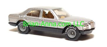 Hot Wheels 1980's Mercedes 380 sel, metalflake silver, Real Riders, Hong Kong base, loose