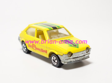 Hot Wheels Leo India Mattel Fiat in Yellow, blackwall wheels, loose
