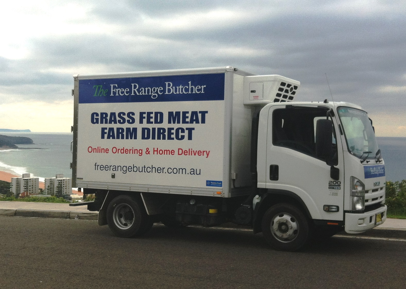delivery-truck-at-collaroy-plateau-cropped.jpg