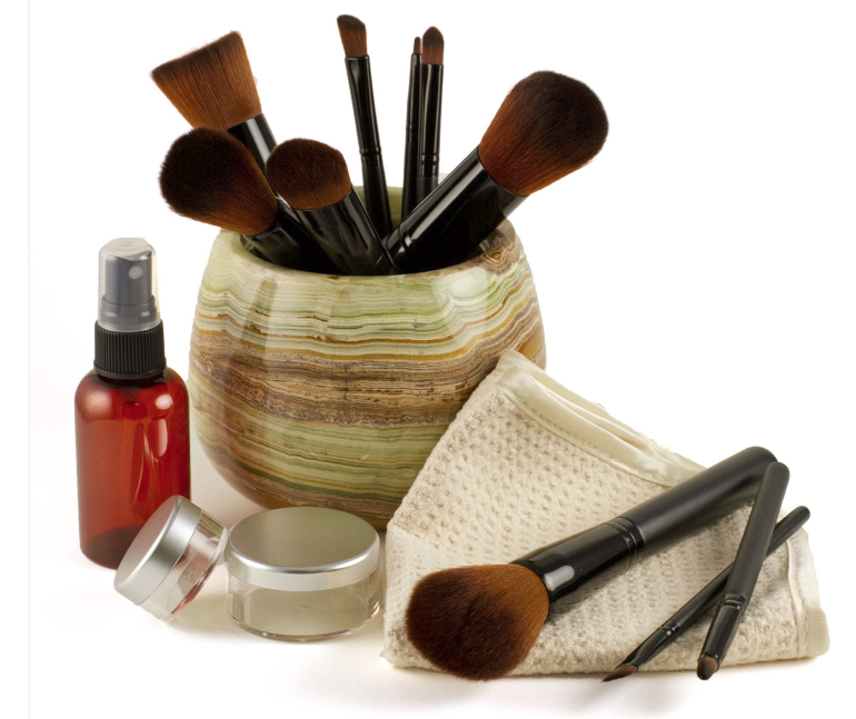 makeup-brushes-face-towels-mixing-jars-accessories.jpg