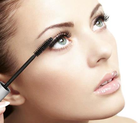 woman-applying-natural-mascara.jpg