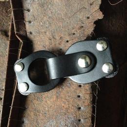 Jul Closure, Mod Loop Leather Black