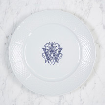 LOTTCHEN WIDER WEAVE DINNER PLATE WITH MONOGRAM