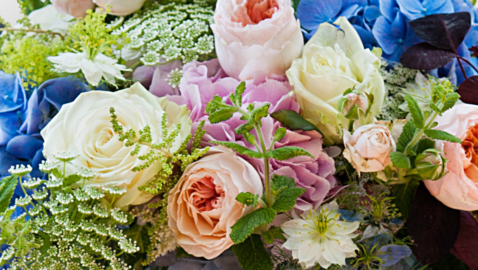 rue-de-rivoli-bouquet-flower-station.jpg