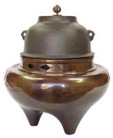 16-3 Chagama A Set for Tea Ceremony
