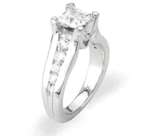 Ladies Cubic Zirconia Ring - The Yamilet Diamento