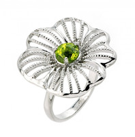 Flower ring with peridot in 925 sterling silver, rhodium plated.