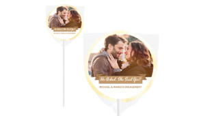 Banner Photo Personalised Engagement Lollipops