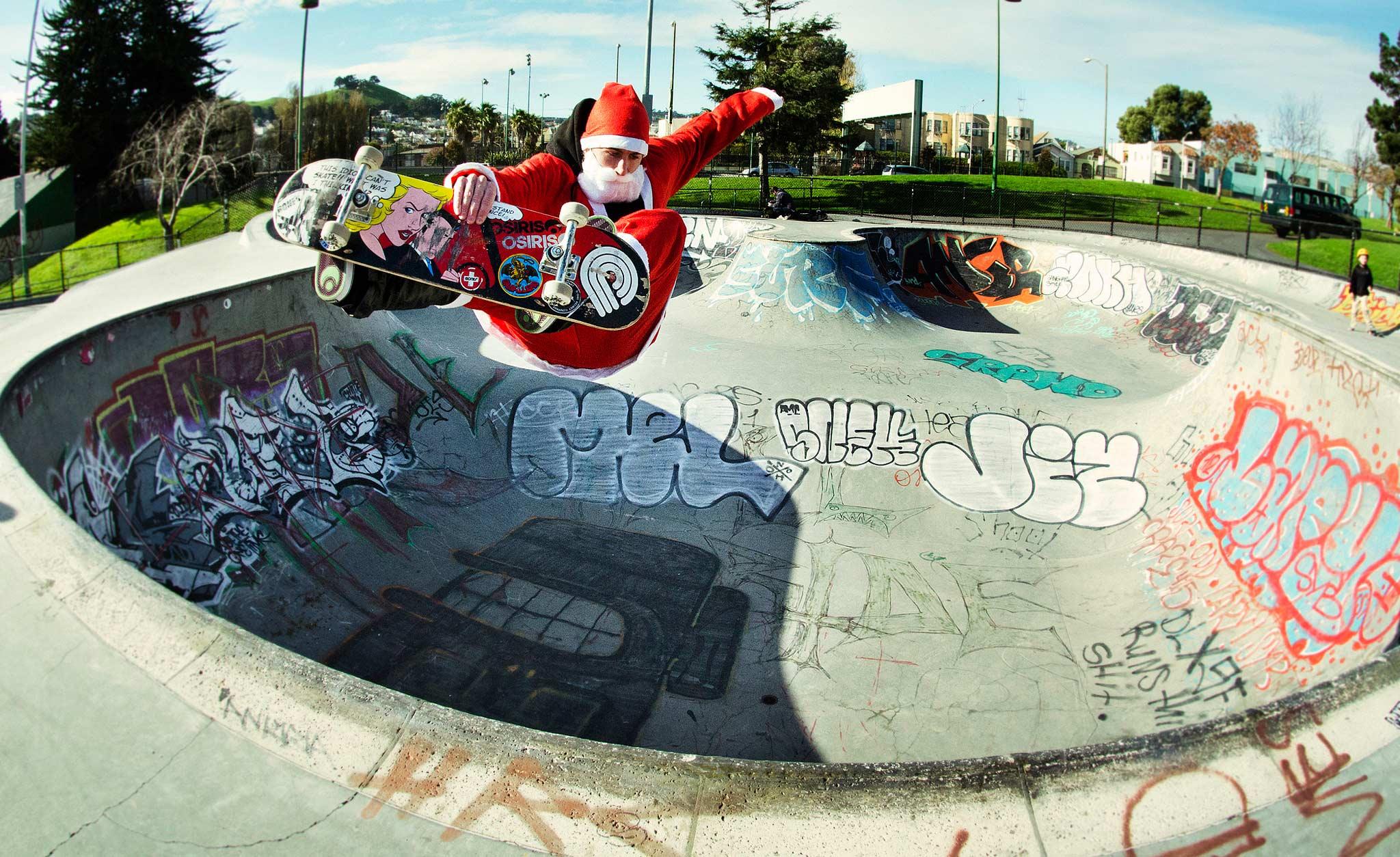 as-skate-santa3-2048.jpg