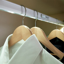 Wardrobe Rail Light (Re-Chargeable)