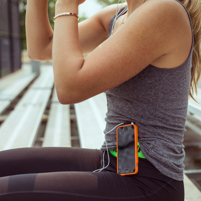 • SLEEK, LOW-PROFILE DESIGN provides reliable, high performance security for your smartphone while running, working out or being active. Easy access to your touchscreen
