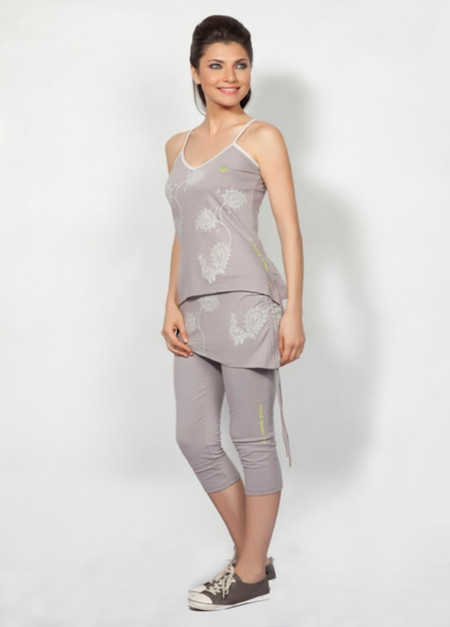 Organic Cotton Utkatasana Top, Grey front, model