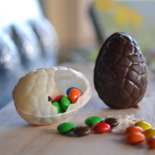 3D Cracked Easter Egg Chocolate Mould