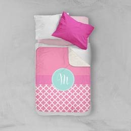 Pretty Pink Quatrefoil Sherpa Blanket
