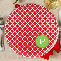 Elegance in Red Quatrefoil Personalized Christmas plate