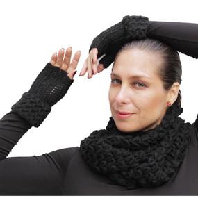 Superfine Alpaca Wool Handknitted Infinity Scarf & Gloves Black