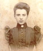 1870s Victorian Carte de Visite Card Photograph of a Victorian Lady