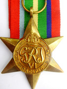 Original  Issued  Unnamed WW2 Commonwealth Military The Pacific Star  Medal with Ribbon