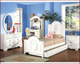 ac01680 - Flowers White Solid Wood Panel Bed With Trundle