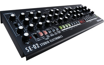 Roland SE-02 Desktop Analog Synthesizer