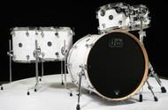 DW Performance 5pc Drum Kit White Marine 10/12/14/16/22