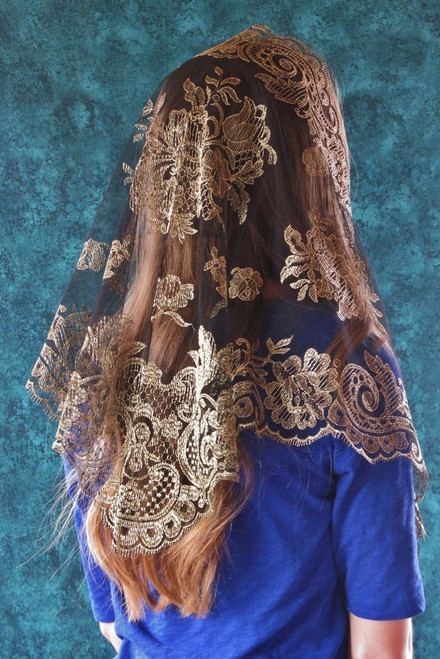 Spanish Floral Mantilla in Black and Gold