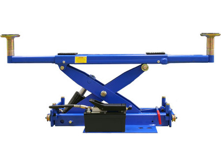 Atlas RJ-6000 Air/Hydraulic Center Rolling Jack 6,000 Lbs. Capacity with Truck Adapters