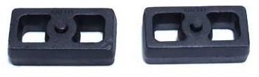 "1999-2006 Chevy & GMC 1500 2wd 1"" MaxTrac Cast Lift Blocks - 810010"
