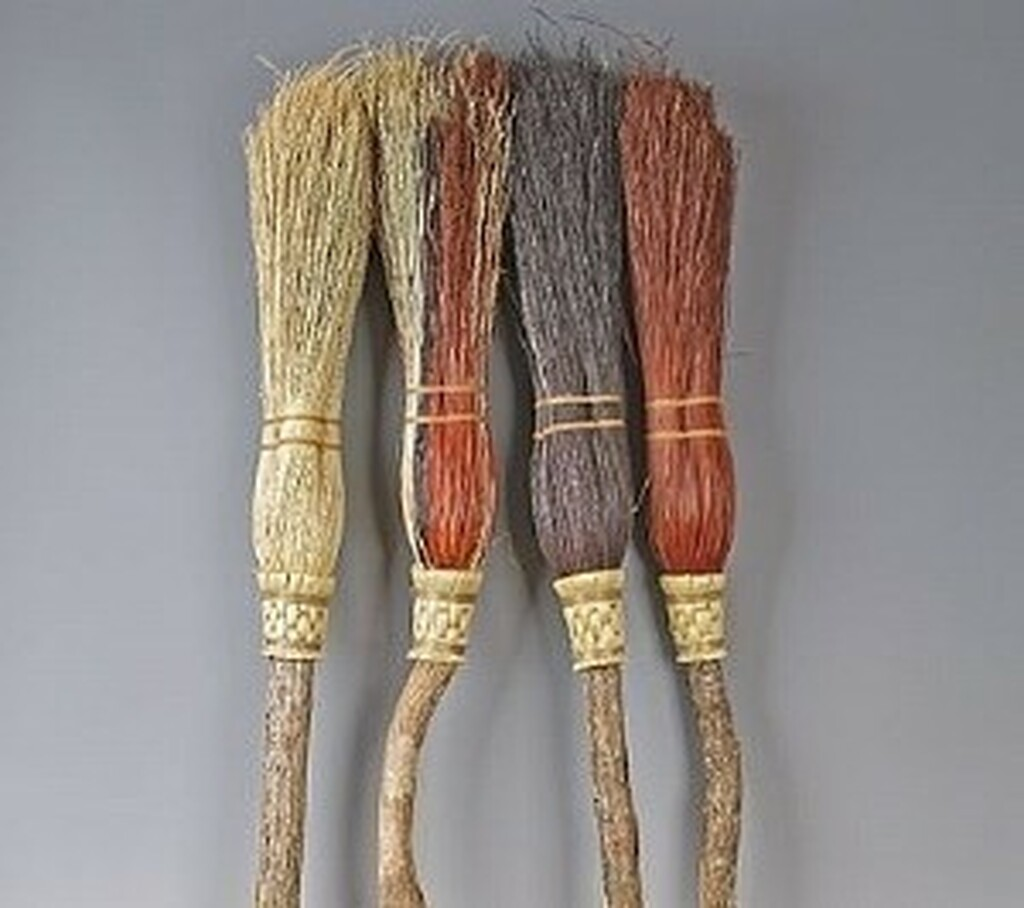 Round Hearth Broom ~ Mini Witches Besom ~ Black