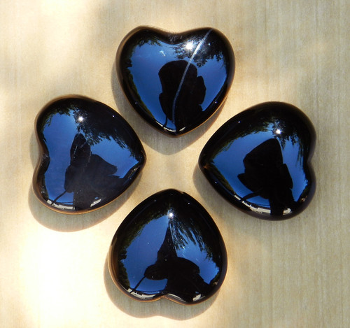 Onyx Heart . Intuition, Divination, Strength, Change, Balance, Grounding, Focus, Self Confidence