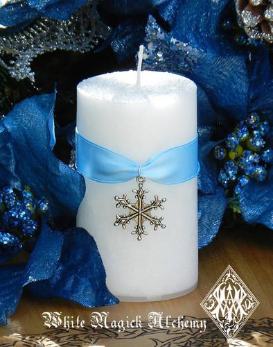 Diamond Snowflake Holiday Pillar Candle . Warm Winter Sugared Vanilla