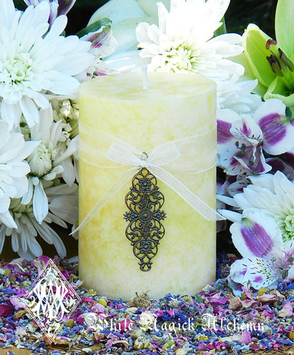 Vanilla Pear & Whipped Cream Candles  for Flourishing Abundance, Renewal, Fertility, Purity and Illumination