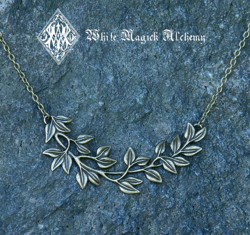 Woodland Leaves Necklace in Bronze