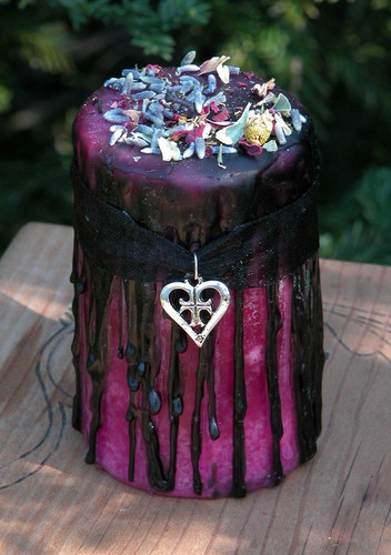 Hot Sugar Love . Herbal Alchemy Magick Candle With Sugar, Amber, Lavender, Rose, Chamomile . Sexual Seduction, Attraction, Romance, Passion