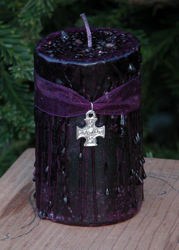 Witches Shield . Herbal Alchemy Magick Candle Rich in Pure Dragons Blood Resin . Protection from Evil, Psychic Vampires, Self Defense