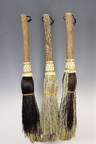 Round Hearth Broom ~ Mini Witches Besom ~ Black