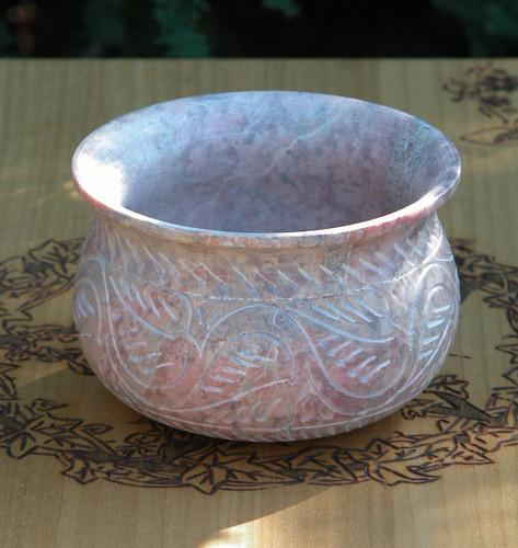 Mystic Leaves Soapstone Cauldron Pot Large . Hand Carved for Burning Incense & Resins . Smudge Pot . Burning Vessel