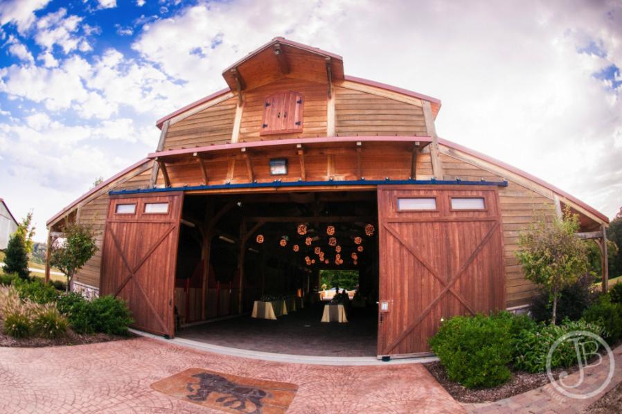 Barn Wedding Venues: Barn Wedding Venues NC