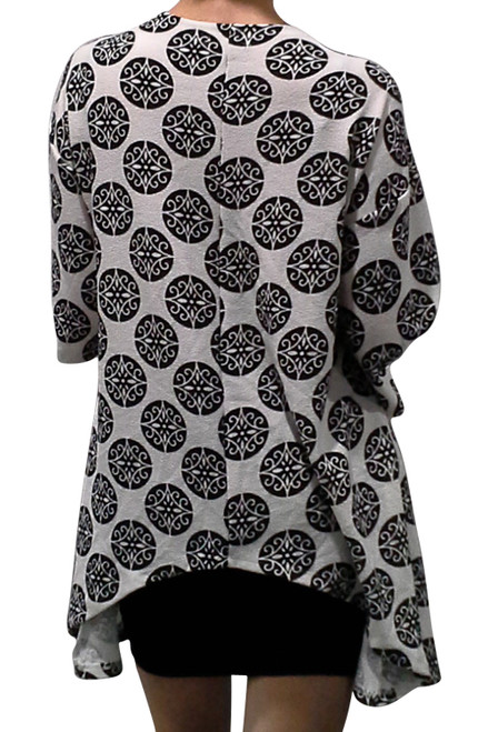 Black & White, Long Sleeve Flyaway Cardigan with Circular Geo Print!