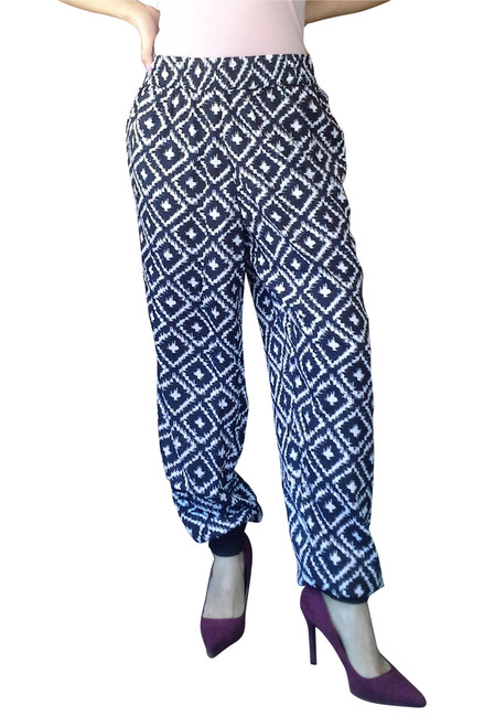 PLUS SIZE PRINTED JOGGERS IN BLACK & WHITE!  BANDED ANKLES. 10% SPANDEX!