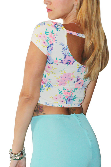 95% Cotton Crop Tops. Chic , 5% Spandex. White with Pink Floral.