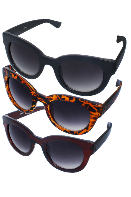 UV400 PROTECTION! THESE HIGH QUALITY SUNGLASSES. SLIGHTLY ROUNDED RAY BANS STYLE! BLACK.