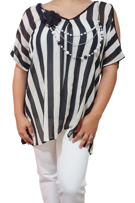 PLUS SIZE Black & White Stripes with Built-in Pearl Necklace!