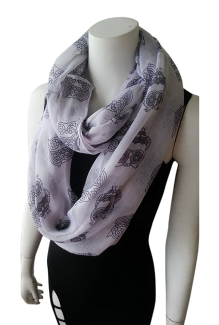 OWL PRINT INFINITY SCARF IS CLASSY & SOPHISTICATED! WHITE.