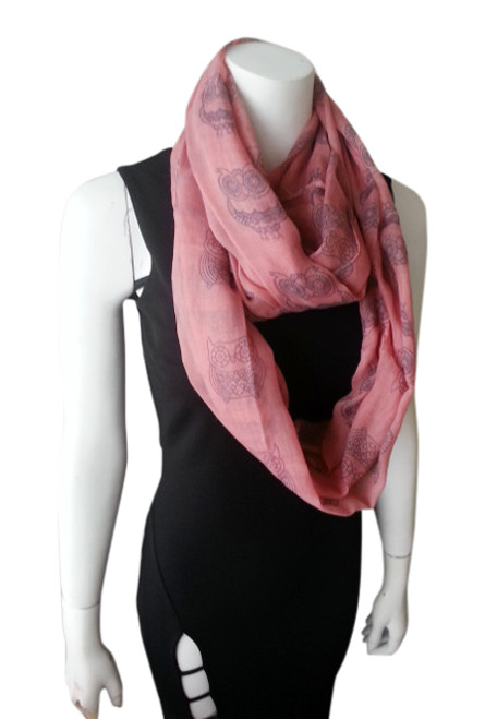 OWL PRINT INFINITY SCARF IS CLASSY & SOPHISTICATED! CORAL.