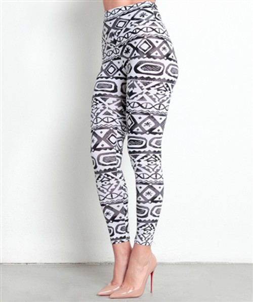 95% Cotton. Long, Black & White Aztec/Tribal Pattern Leggings!