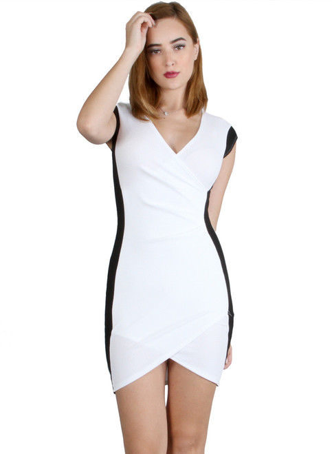 Beautiful Bodycon Dress! White with Black.
