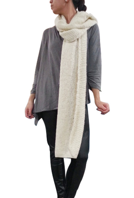 SUPER-COZY LONG BLANKET SCARF FROM AMERICA'S HOTTEST BRAND! CREAM.