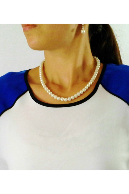Faux Pearl Necklace & Earrings Set! Color: Natural.